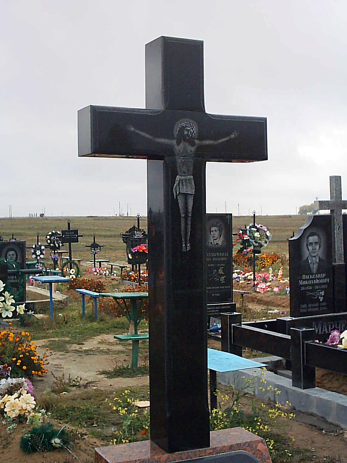 изготовление памятников крест